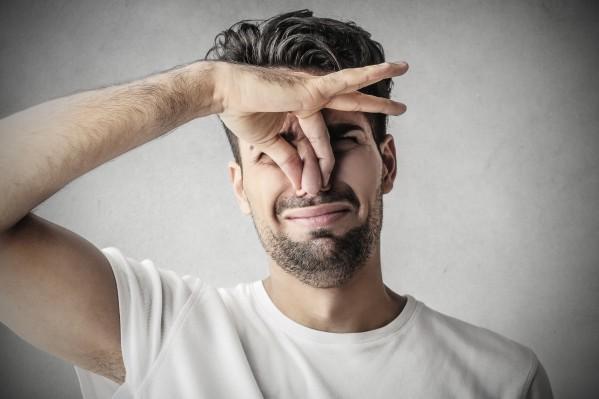 「臭い男性」の画像検索結果